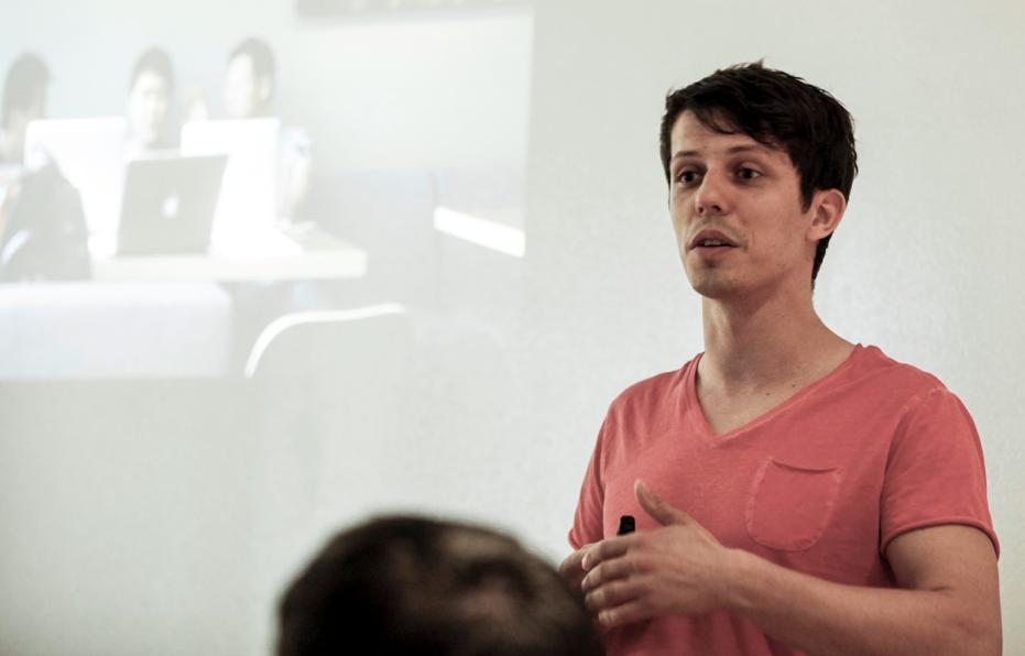 Der unkonventionelle Lern-, Motivations- und Zeitmanagementexperte Dr. Martin Krengel vermittelt spannende, informative und unterhaltsame Vorträge, Workshops und Seminare.