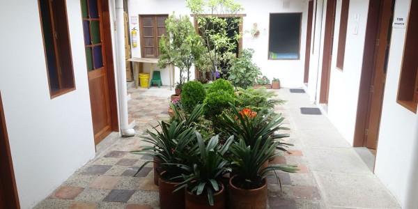 Hostel-Innehof der Sprachschule in Bogota (Kolumbien)
