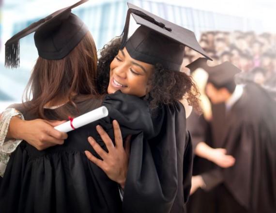 graduation hug © istock.com/ sturti